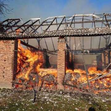 Brudzice: kolejny niedzielny pożar w tej miejscowości. Jedna osoba poszkodowana