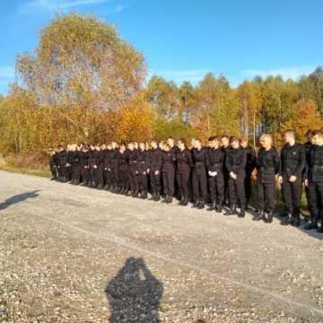 Manewry klas mundurowych z radomszczańską Policją