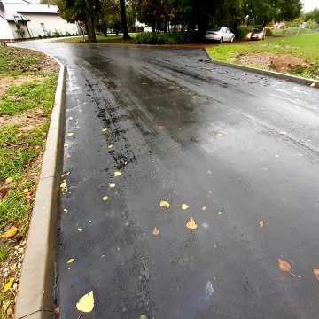 Na ulicy Krzywej w Radomsku położono nowy asfalt