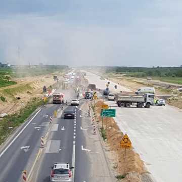 Utrudnienia w ruchu: Betonowanie A1 między Piotrkowem a Kamieńskiem