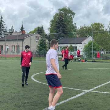 """Żubry i Online Team z kompletem punktów w Lidze """"Szóstek"""" w Radomsku"""