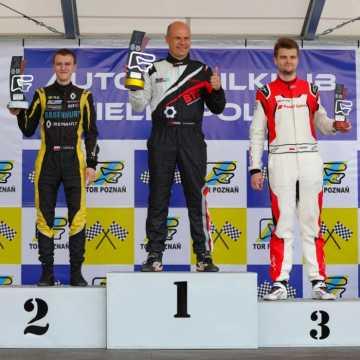 Łukasz Stolarczyk odnosi kolejne zwycięstwo Wyścigowych Samochodowych Mistrzostwach Polski