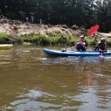Wakacyjny spływ kajakowy z MOSiR w Radomsku