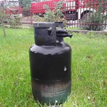 Wybuch gazu w domu jednorodzinnym w Przedborzu. Poparzona została 68-latka