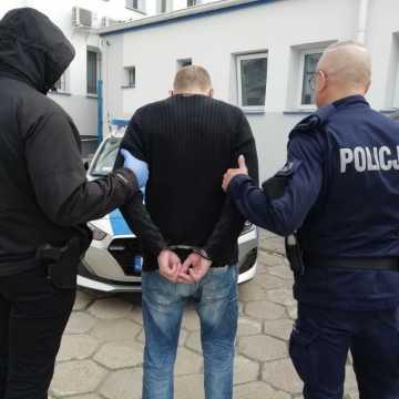 Trzech poszukiwanych listem gończym w rękach kryminalnych z Bełchatowa