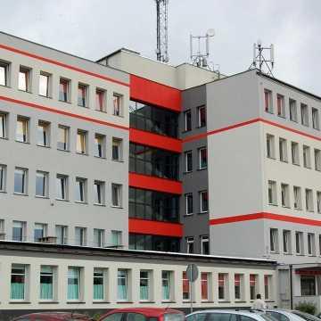 """Koronawirus w """"Ekonomiku"""" w Radomsku. Kilkanaścioro uczniów przeszło na nauczanie zdalne"""