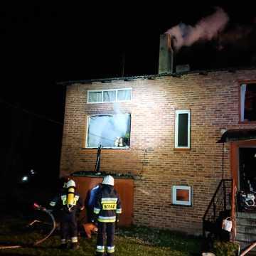 Pożar domu w Woli Blakowej. Czujka dymu uratowała mieszkańcom życie