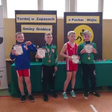 6 medali dla zapaśników ZKS Radomsko