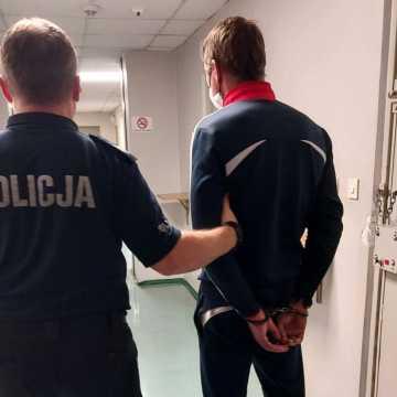 Obywatel Mołdawii próbował ukraść torebkę 78-letniej mieszkance Radomska. Kobieta się nie poddała