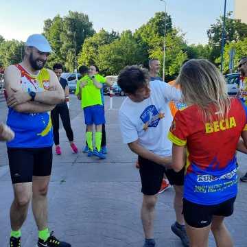Biegacze z RUNdomsko uczcili sukces Beaty Janik