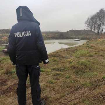 Wiewiórów: w stawie znaleziono zwłoki kobiety