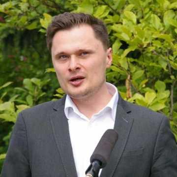 Wicewojewoda o tarczy antykryzysowej dla przedsiębiorców, w tym radomszczańskich