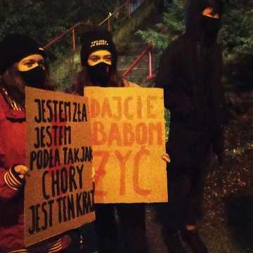 Ulicami Radomska przeszedł kolejny marsz przeciwko zaostrzeniu ustawy antyaborcyjnej