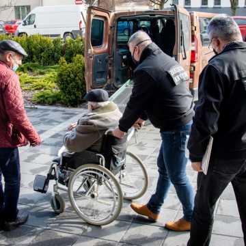 Bełchatów: Seniorze, skorzystaj z pomocy w czasie epidemii