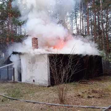 W miejscowości Borki palił się dom letniskowy