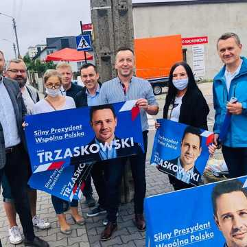 Sztaby zachęcały do głosowania na Rafała Trzaskowskiego i Andrzeja Dudę