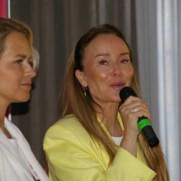 Odczuwanie szczęścia to nie kaprys: Joanna Przetakiewicz spotkała się z radomszczankami