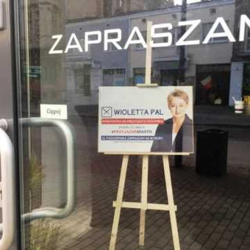 Kandydaci na prezydenta na plakatach i banerach