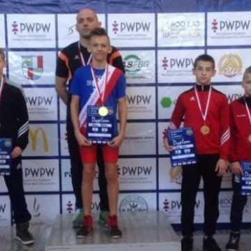 Filip Loch medalistą Mistrzostw Polski w zapasach młodzików