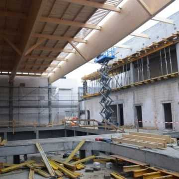 Mury pną się do góry, czyli trwa budowa nowego basenu