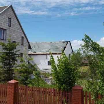 Zerwane dachy w Tarasie