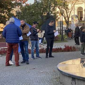 """Prounijna manifestacja w Radomsku: """"Zostajemy"""", """"Zostajemy""""!"""