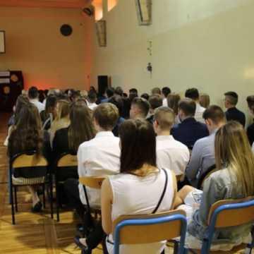 Zakończenie roku szkolnego maturzystów w Radomsku