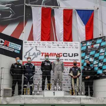 Łukasz Stolarczyk na podium na węgierskim Hungaroringu