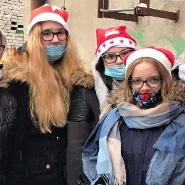 Paczki od PCK w Radomsku dla potrzebujących