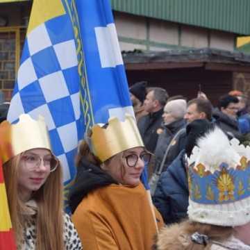 Kolorowy Orszak Trzech Króli przemaszerował przez Radomsko