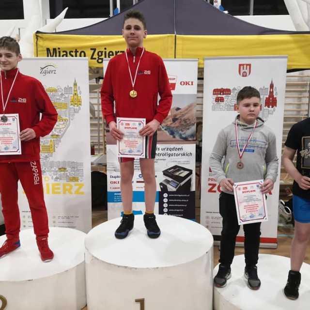 Siedem medali zapaśników ZKS Radomsko na mistrzostwach w Zgierzu