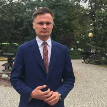 Krzysztof Ciecióra chce wspólnie walczyć z hejtem politycznym