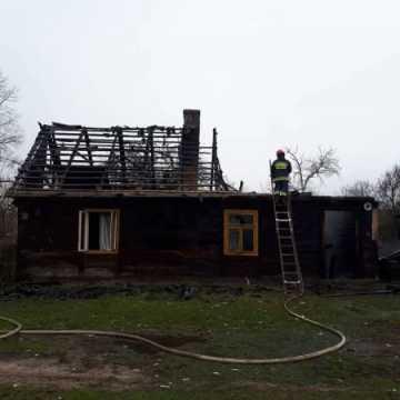 Pożar drewnianego domu