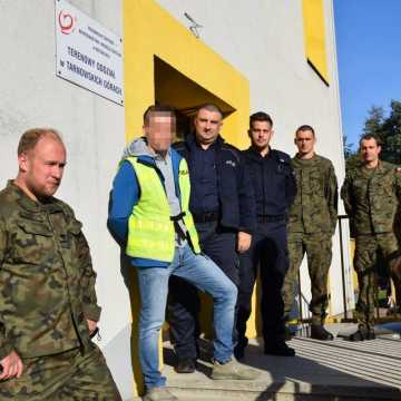 Policjanci, żołnierze i uczniowie z Tarnowskich Gór oddali krew dla komendanta policji w Radomsku