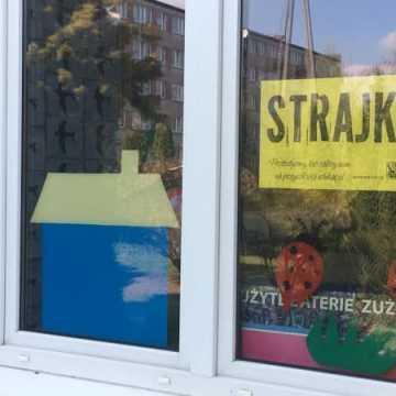 Trwa strajk nauczycieli. Czy egzaminy się odbędą?
