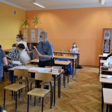 Radomsko zdaje angielski. Dziś do egzaminu podeszli uczniowie podstawówek