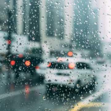 Alert pogodowy: możliwe opady i gołoledź