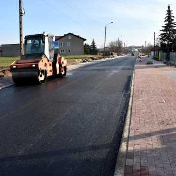 Piotrków Tryb.: Zalesicka już z asfaltem