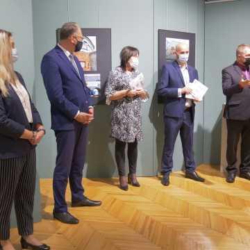 Poplenerowa wystawa Ogólnopolskiego Pleneru Fotograficznego im. Stanisława Różewicza