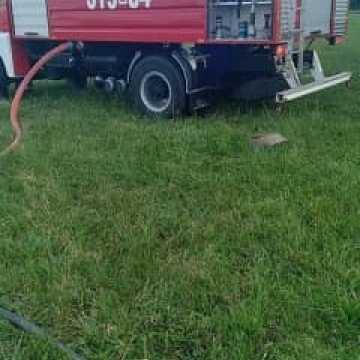 Pożar prasy rolniczej do balowania słomy