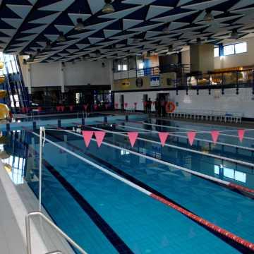 Piotrków Tryb.: baseny czynne dłużej