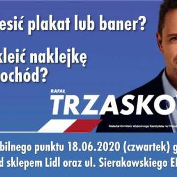 Mobilny punkt wyborczy Rafała Trzaskowskiego w Radomsku