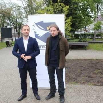 O zagrożeniach płynących z UE mówili - Dobromir Sośnierz i Patryk Marjan