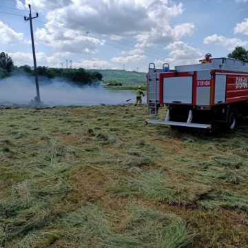 Pożar suchego siana w Danielowie w gm. Kamieńsk