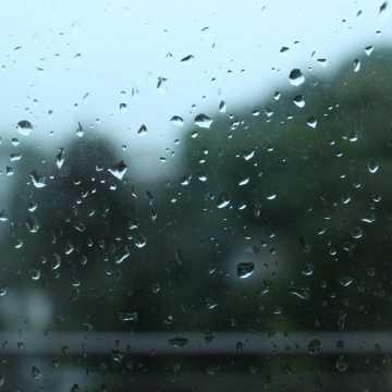 Początek września z opadami deszczu