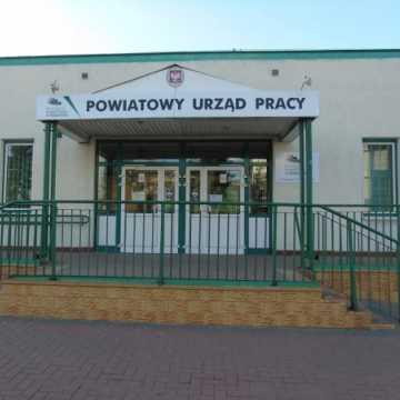 Pieniądze od PUP  w Radomsku na doposażenie miejsca pracy