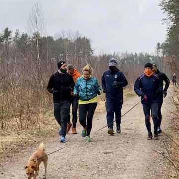 Radomszczańska odsłona Międzynarodowego Dnia Lasów. Wspólny spacer z RAS