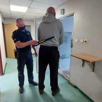 Podczas libacji ugodził nożem kolegę. Odpowie za usiłowanie zabójstwa