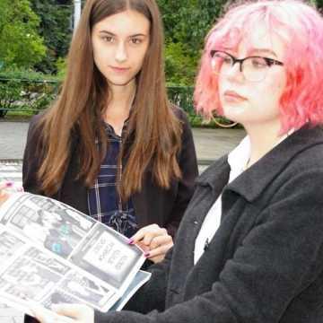 """Uczniowie """"ekonomika"""" stworzyli komiks. Opisują wojenną historię Radomska"""