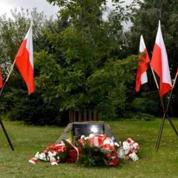 Obchody 9. rocznicy posadzenia Dębu Pamięci Tadeusza Rozpędka